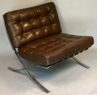 Three spots around the house to place a leather chair